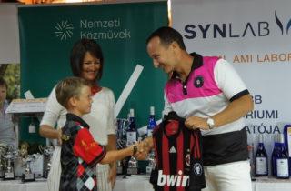 Hinora Ferenc egyből át is adta a mezt Milánnak