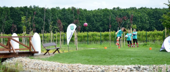 Játékosok a Nimród Footgolf Park megnyitóján